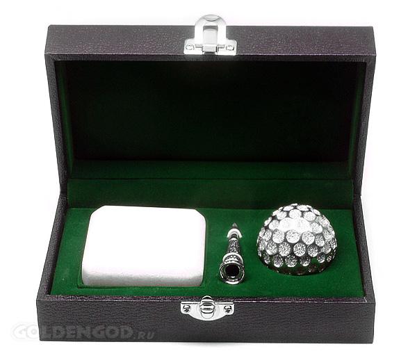 Самый дорогой мячик для гольфа из бриллиантов