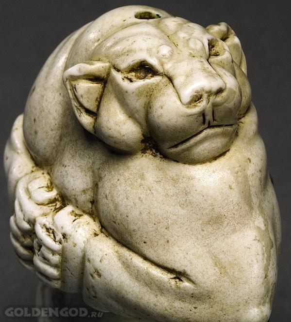 Статуэтка Львица Гуэннола Guennol Lioness