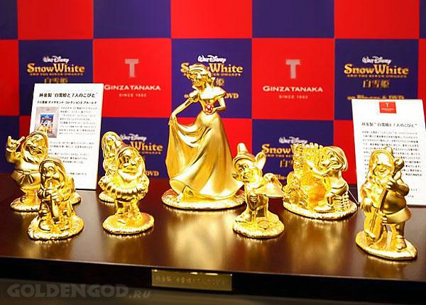 Белоснежка и гномы - золотые фигурки к юбилею мультфильма студии Уолт Дисней.